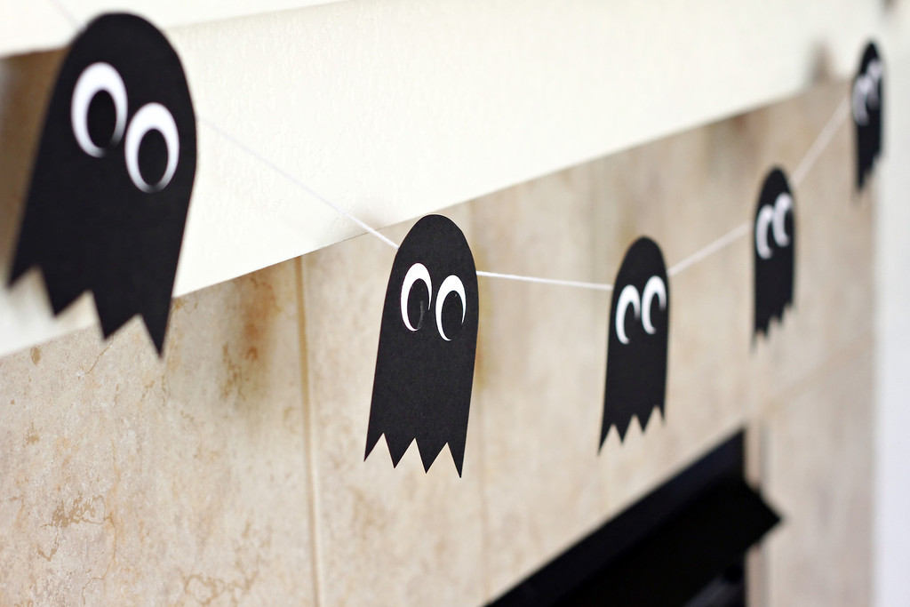 171226-guirlande-fantome-papier-halloween